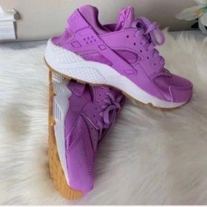 Nike Huarache Run Women's 7 New
